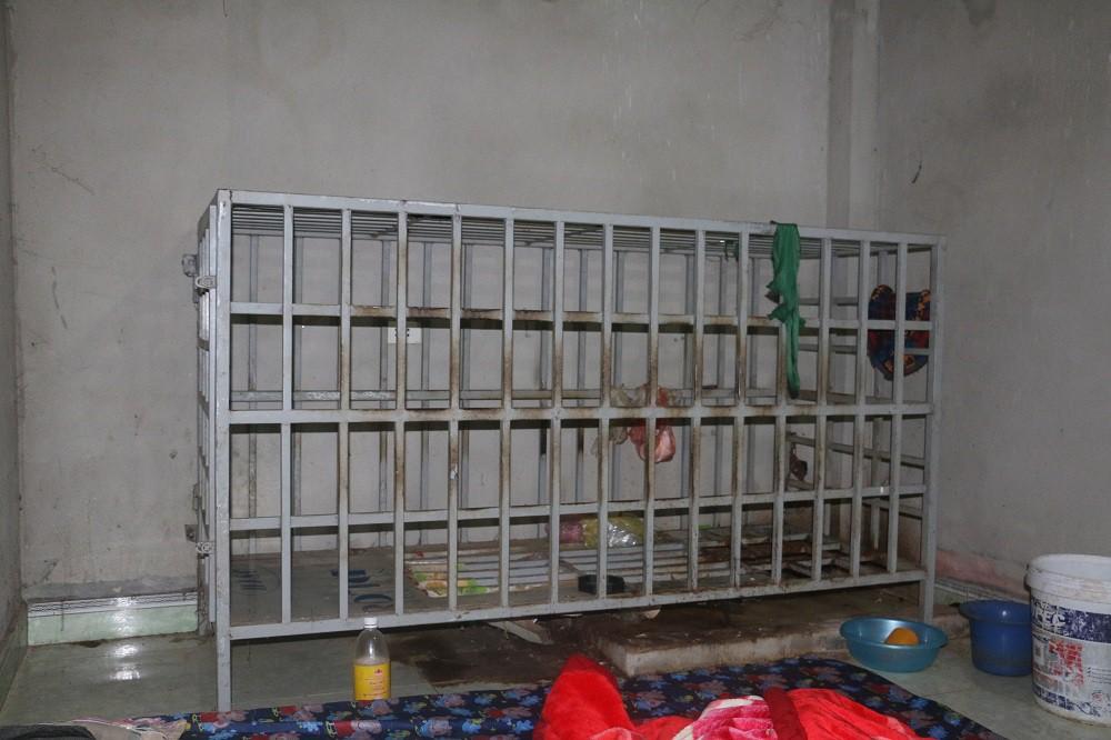 Vợ nhốt chồng vào lồng sắt ở Thanh Hóa: Thêm nhiều tình tiết lạ