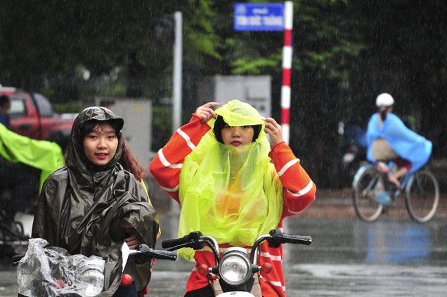 Miền Bắc sắp đón mưa dông, chất lượng không khí Hà Nội được cải thiện