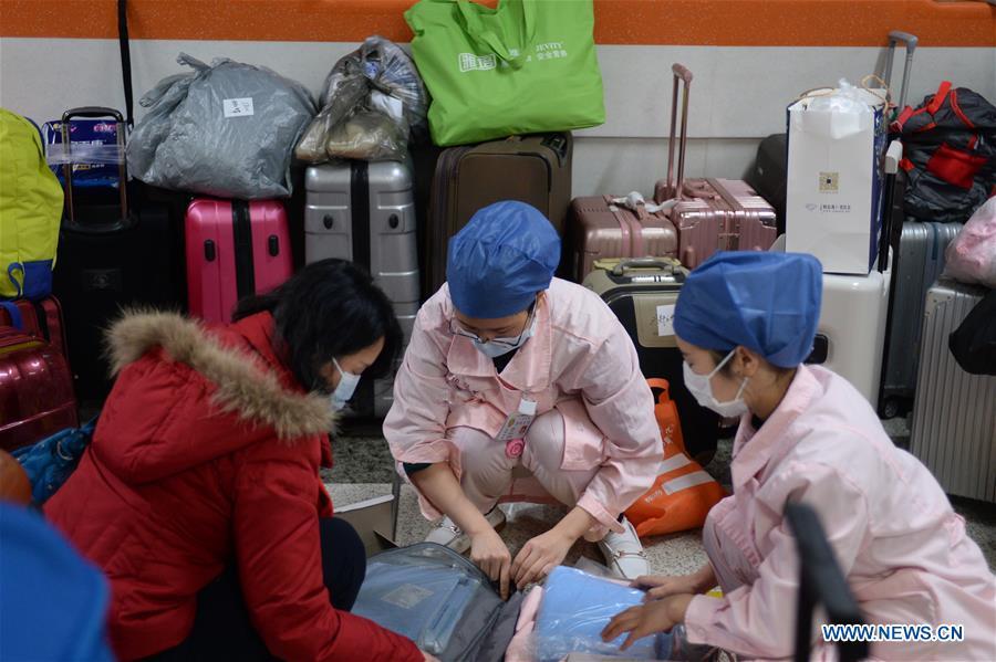 Dịch corona: Phụ nữ Trung Quốc tỏa sáng giữa cuộc chiến sinh tử