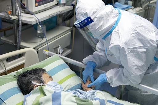 TQ: Cặp đôi U70 nhiễm virus corona và 'bí quyết' khỏi bệnh