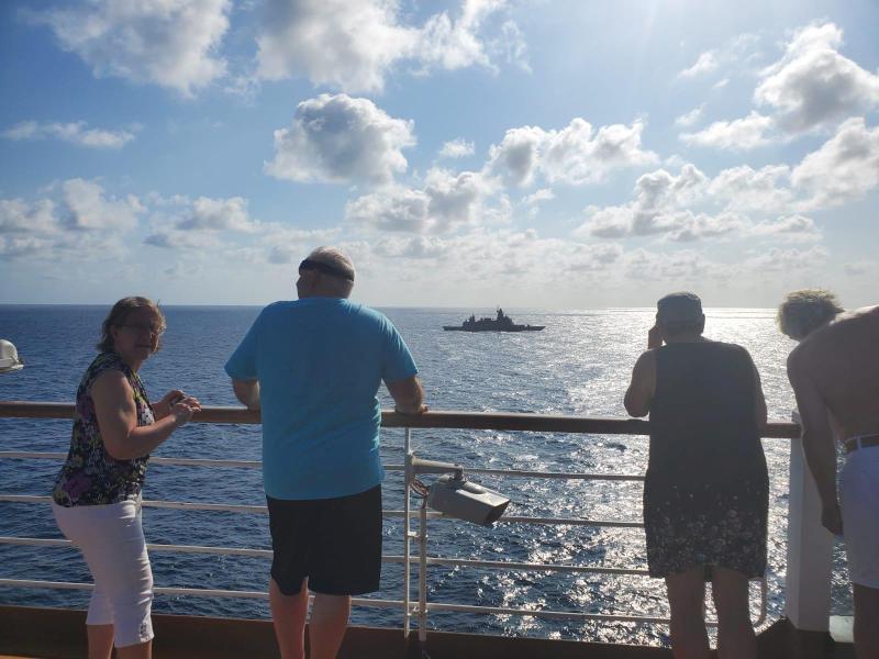 Thái Lan điều tàu chiến bám sát nút chiếc du thuyền 'bị hắt hủi' vì virus corona