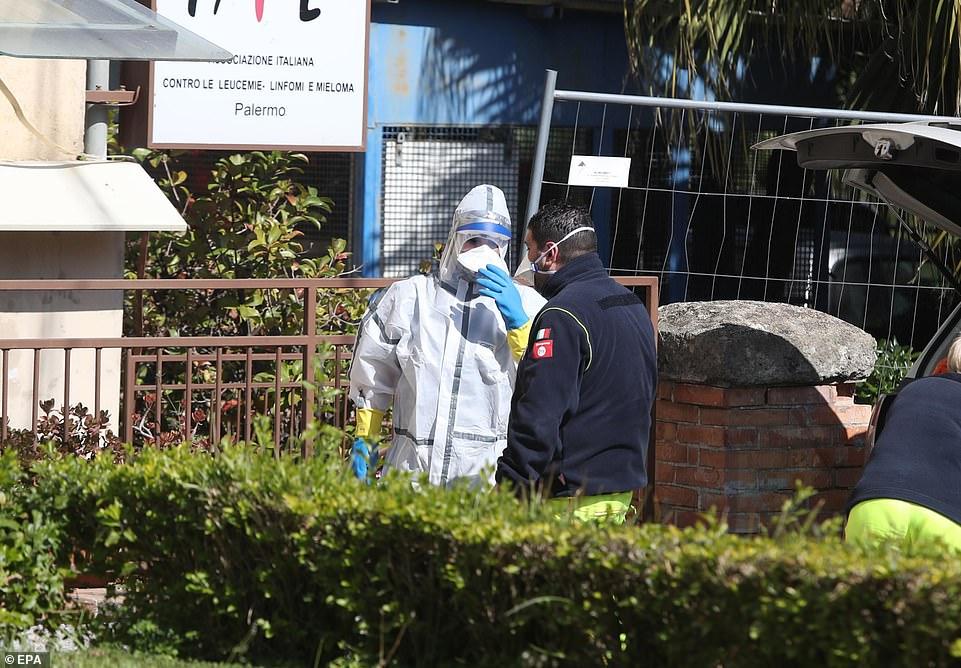 Covid-19: Số ca nhiễm tăng 40% ở Italia, 11 người tửvong