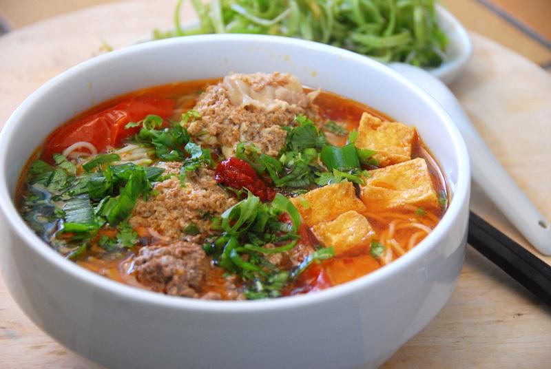 Cách nấu bún riêu ngon là món ăn lý tưởng cho ngày nóng