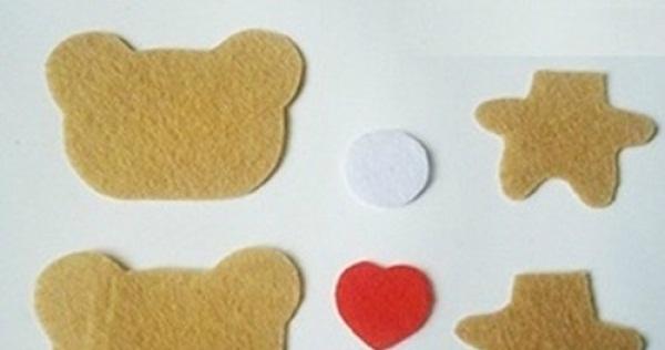 Các miếng vải trong cách khâu vải nỉ hình con gấu