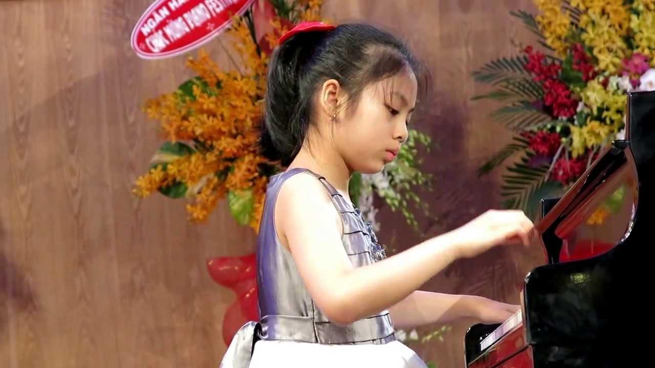 Nhiều người ví Phan Thiên Bạch Anh là thần đồng Việt Nam đa tài