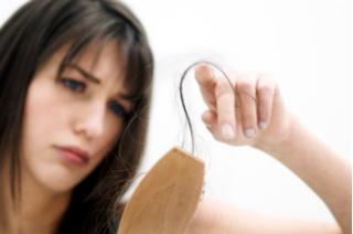 Giải quyết hiện tượng rụng tóc sau sinh cho các bà mẹ
