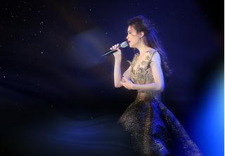 Nhìn lại đêm nhạc đầy cảm xúc Love Songs của Hồ Ngọc Hà