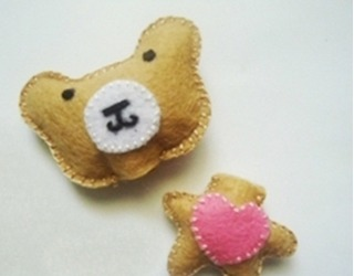 Cách khâu vải nỉ làm móc khóa mặt gấu xinh yêu