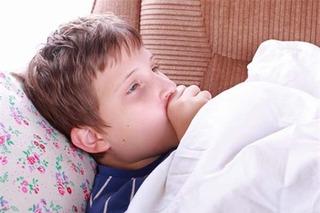 Đi tìm nguyên nhân tại sao đau họng quanh năm suốt tháng
